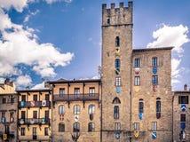 Piazza Grande na cidade de Arezzo, Itália fotografia de stock