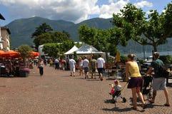 Piazza Grande no Ascona no pensionista do lago Maggiore foto de stock