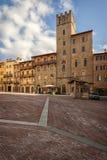 Piazza Grande o quadrado principal da cidade de tuscan Arezzo, Itália Imagem de Stock