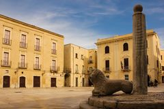 Piazza Mercantile. Bari. Apulia or Puglia. Italy. Piazza Mercantile and the column of Justice, also known as column of infamy . picturesque corner in the old stock photos