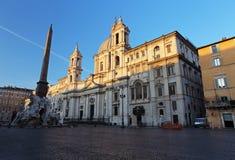 Piazza Navona bij schemer Mooie oude vensters in Rome (Italië) Stock Foto's
