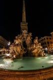 Piazza Navona, springbrunn av de fyra floderna och den egyptiska obelisken Fotografering för Bildbyråer