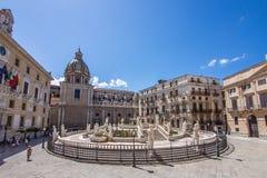 Piazza a Palermo, Italia Fotografie Stock Libere da Diritti