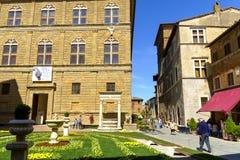 Piazza Pio II dans Pienza Toscane Photographie stock