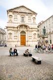 Piazza San Fedele, Milan arkivfoto