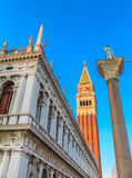 Piazza San Marco avec le campanile, le Basilika San Marco et le palais de doge Venise, Italie Images stock