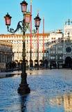Piazza San Marco di Venezia, Italia ad alta marea ed al pedone w Fotografie Stock Libere da Diritti