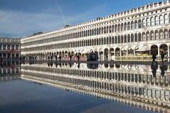 Piazza San Marco durante il acqua Alta dell'inondazione a Venezia, Italia Immagini Stock Libere da Diritti