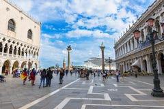 Piazza San Marco, het Paleis van de Doge in Venetië stock afbeeldingen
