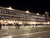 Piazza San Marco in Venetië, Italië bij nacht 2 Stock Afbeeldingen