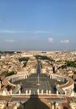 Piazza San Pietro de mening van de koepellucht royalty-vrije stock fotografie
