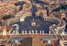 Piazza San Pietro i Vatican City royaltyfria foton