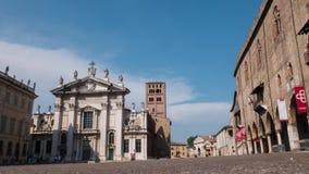 Piazza Sordello con la cattedrale ed il palazzo ducale a Mantova, Timelapse video d archivio