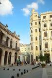 Piazza vieja in Havana in Kuba lizenzfreie stockfotografie