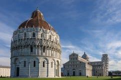Piazzadei Miracoli på Pisa Royaltyfri Bild