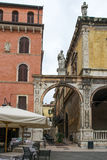 PiazzadeiSignori Verona Royaltyfria Bilder