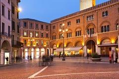 Piazzadeisignorina och slotten av Podestài Treviso italy Arkivfoton