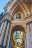 Piazzadella Scala, Galleria Vittorio Emanuele II, Milan, Lombra Arkivfoto