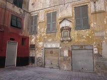 Piazzavalori en Genova med stängda dörrar royaltyfria foton