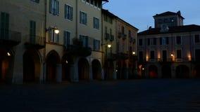 Piazzo Biella, Piemonte, Italië - een straat van de oude stad stock footage