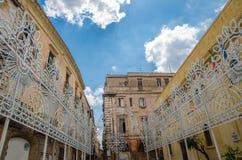 Piazzo Duomo in centrum Buorgo Antico van Taranto, Puglia, Italië royalty-vrije stock afbeelding