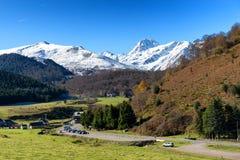 Pic du Midi DE Bigorre in de Franse Pyreneeën met sneeuw royalty-vrije stock fotografie