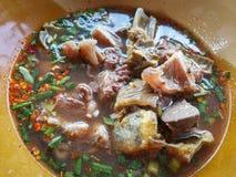 Picante tailandês da carne da sopa foto de stock