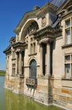Picardie, het schilderachtige kasteel van Chantilly in Oise Royalty-vrije Stock Foto's