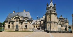 Picardie, het schilderachtige kasteel van Chantilly in Oise Stock Afbeeldingen