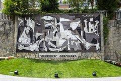 Picasso ` s Guernica på den Calle Allende Salazar gatan Arkivbild