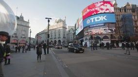 Piccadilly Circus-Vertoningen stock videobeelden