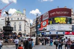 Piccadilly cirkus London England Arkivbilder
