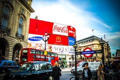 Piccadilly fyrkant London UK Royaltyfria Foton