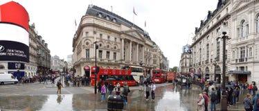 Piccadilly-Zirkus in der Tageszeit Stockfotografie