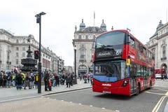 Piccadilly-Zirkus, Verkehrsknotenpunkt und bedeutendes Einkaufen, Unterhaltungsbereich im West End, die City of Westminster, Lond Lizenzfreie Stockbilder