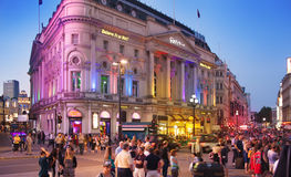 Piccadillycircus in nacht, Londen Royalty-vrije Stock Foto