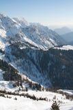 Picchi di alta montagna con neve Immagini Stock