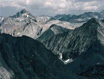 Picchi di alta sierra dalla sommità del Mt Starr, John Muir Wilderness, Sierra Nevada Fotografie Stock Libere da Diritti