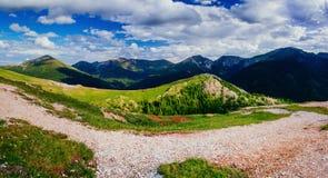 Picchi di montagna coperti di neve Fotografie Stock Libere da Diritti
