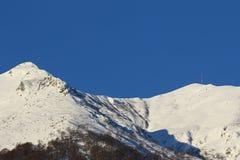 Picchi di montagna coperti in neve Fotografie Stock Libere da Diritti