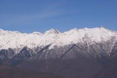 Picchi di montagna di Caucaso Fotografie Stock Libere da Diritti