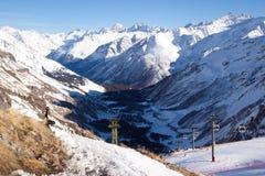 Picchi di montagna di Snowy Fotografie Stock