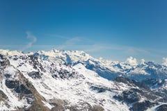 Picchi di montagna maestosi nell'inverno nelle alpi Immagine Stock Libera da Diritti