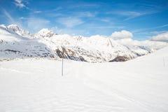 Picchi di montagna maestosi nelle alpi Fotografie Stock