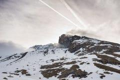 Picchi di montagna maestosi nelle alpi Immagini Stock Libere da Diritti
