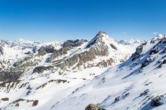 Picchi di montagna nelle alpi Fotografia Stock