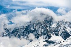 Picchi di montagna Snowbound in alpi. Fotografia Stock Libera da Diritti