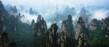 Picchi di montagna a Zhangjiajie Cina Immagini Stock Libere da Diritti