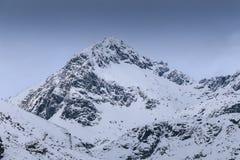 Picchi di montagne coperti da neve Fotografia Stock Libera da Diritti
