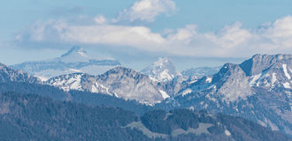 Picchi di montagne di Snowy in Svizzera Fotografia Stock Libera da Diritti